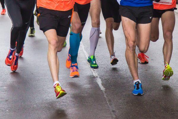 Photo de gens qui courent